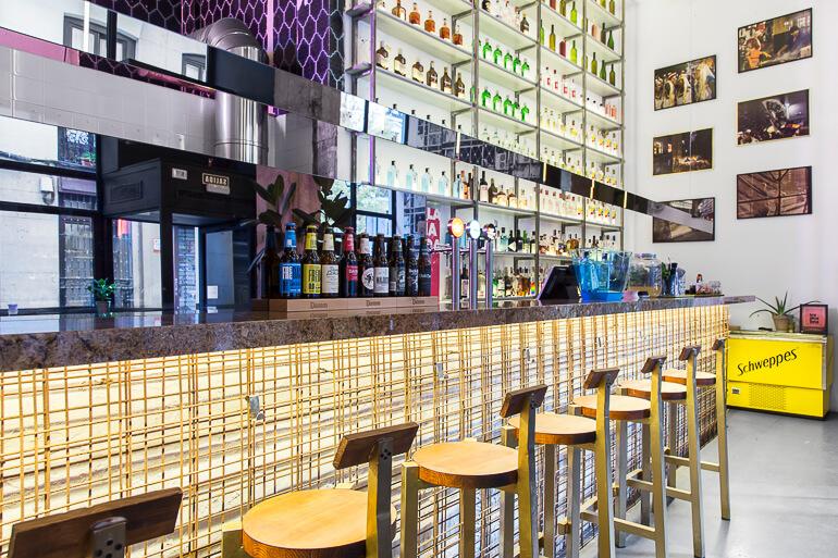 'bar-tropicalista',-cocteles-y-picoteo-brasileiro-en-malasana