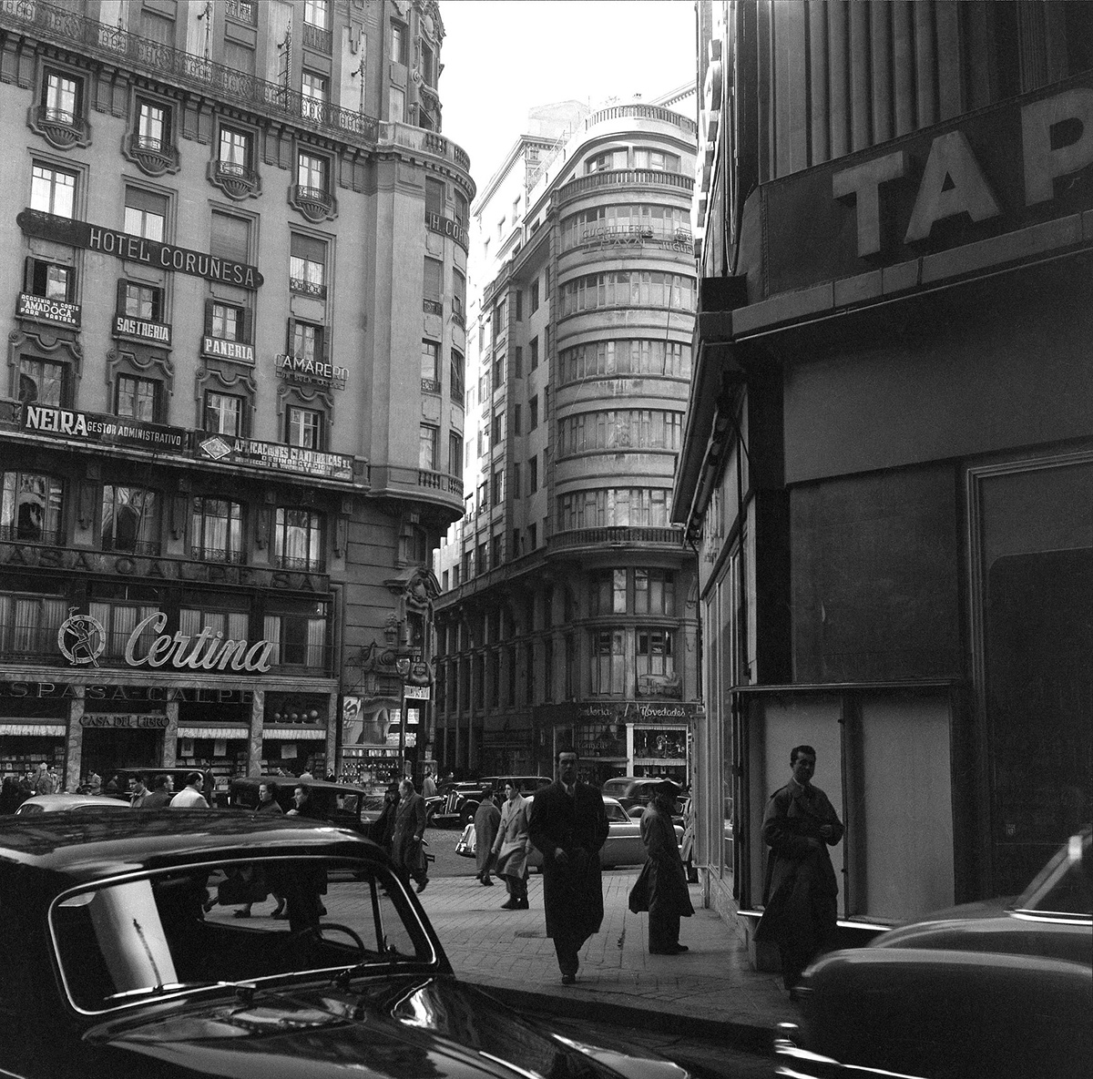 fotos-antiguas-de-madrid:-la-gran-via-(1954,-horacio-novais)