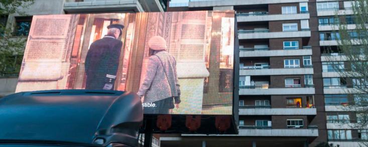 «series-desde-el-balcon»,-la-iniciativa-que-llena-de-series-las-calles-de-madrid
